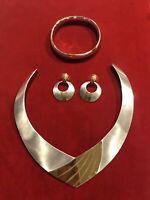 c 1986 Vintage Napier Two Tone Collection - Necklace, Bracelet Earrings - Lot 28