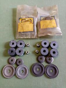 PEUGEOT 403 / 404  Kit de silentblocs Sup et Inf pour 2 amortisseurs AR