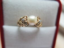 10K Solid Yellow Gold Pearl and Diamond Ring Size 4.75 (#129)