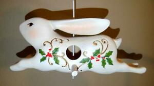 New Pacific Rim Holiday Bunny Rabbit Birdhouse Christmas White w/ Holly Berry