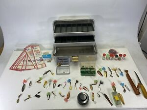 Lot Of Over 50 Pieces & VINTAGE UMCO 132A 2 TRAY  TACKLE FISHING BOX Dardvelle