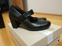 Clarks Adya Clara Black Leather Mary Jane Comfort Heels Size 9.5M