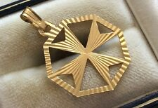 Pendant - 18ct Maltese Cross Lovely Vintage Fully Hallmarked 18ct Gold