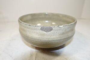 ccz209 OLD HANDMADE JAPANESE ART POTTERY CHAWAN TEA BOWL chipped needs kintsugi