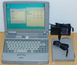 "12,1"" Laptop Notebook Toshiba Tecra 730XCDT MMX 150MHz 2GB 48MB Windows 98 SE"