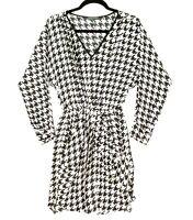 Sheike Size 6 Black White Houndstooth Pattern Long sleeve Elastic Waist Dress