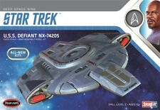 Polar Lights 952 Star Trek Deep Space Nine USS DEFIANT NX-74205 model kit 1/1000