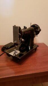 MINT CONDITION Vtg Singer Sewing Machine 99 100% ORIGINAL 100% PAINT/DECALS READ