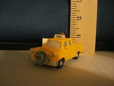 Taxi Ornament with Wreath 75434 209