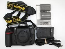 *GREAT* NIKON D300 CAMERA BODY W/EXTRA BATTERY. VERY LOW SHUTTER COUNT. EXC+++