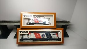 Tyco HO Train NEW! Spirit of 76 Bicentennial Alco C430 Powered Diesel & Caboose