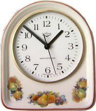 033822F Keramik Küchenuhr Artline Birne-Stachelbeer Braunrand handbemalt Funkuhr