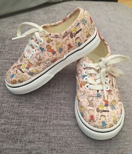 Pink Snoopy Peanuts VANS Lace Up Girls  Trainers  Size UK 7