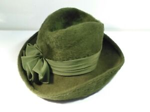 Ladies Green Felt Velvet Saucer Hat - one size Good Used Condition