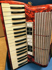 Hohner Tango II M rot Akkordeon, 96 Bässe, sehr-gut erhalten