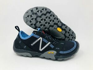 New Balance Women's Minimus 10 V1 Trail Shoe, Black/Carolina Blue, 7.5 B(M) US