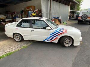 BMW E30 318 is