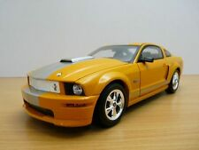 FORD MUSTANG GT 330HP orange 2008 1/18