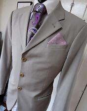 Armani Collezioni Beige Three Button front Blazer Jacket UK 42 EU 52 pristine