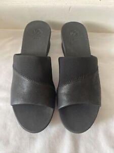 Clarks Cloudsteppers Black Sandals UK 4D / EUR 37