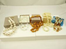 Mixed Lot of Vintage AVON Necklaces & One Pair of Earrings