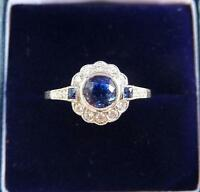 Gorgeous 18ct white gold art deco style 0.75ct Sapphire and Diamond daisy ring