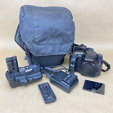 Sony Alpha SLT-A77V 24MP Digital Camera - BROKEN SCREEN - WORKS