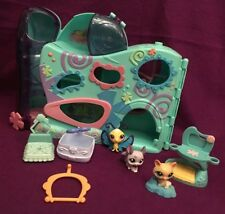 Littlest Pet Shop LPS Daycare House Elevator Play set  3 pets 4 Accessories