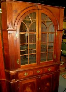 FINE ANTIQUE VIRGINIA ARCHITECTURAL  WALNUT CHIPPENDALE CORNER CUPBOARD 1790's