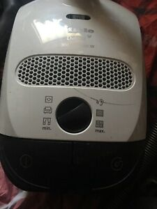 Miele Delphi C1 300-1200w Canister Vacuum Model S2120 Please Read