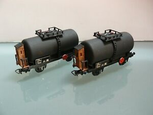 Lot de deux wagons Jouef citerne redétaillés. HO 1/87