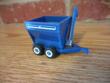 MINI TOY 1/64 FORD BLUE GRAIN CART FOR TRACTOR