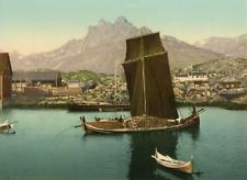 Tromsö. En Nordlandsbaad. PZ vintage photochromie, Norvège photochromie, vinta