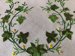 STUNNING VINTAGE LINEN HAND EMBROIDERED TABLECLOTH~BEAUTIFUL IVY LEAF DISPLAYS.