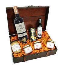 Bull & Bear Schatzkiste Schlemmerbox mit Wein und Delikatessen