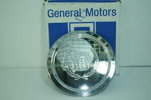 NOS GM OEMCenter cap Hubcap 1993-1997 Cadillac Deville Seville Eldorado Chrome