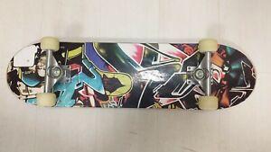 Skateboard Professionale Completo con Ruote Teschio Skull Sport Estremi Colori