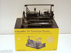 "Caterpillar D7 Cable Dozer - ""MILITARY GREEN"" - NZG #386 - 1/25 - N.MIB"