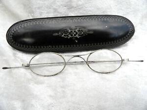 lunette ancienne,lorgnon,boite carton bouillie,napoléon trois, objet de vitrine