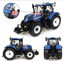 New Holland T7.225 'Union Jack Edition' Tractor 1:32 Model 4901
