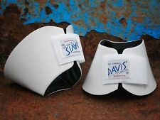 Davis Horse Boots Classic No Turn Bell Hoof Over Reach Jumping White Cob Medium