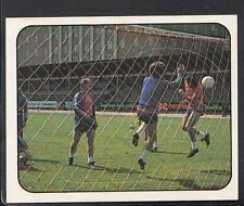 PANINI CALCIATORI FOOTBALL Adesivo 1977-78, N. 294-giocando a football