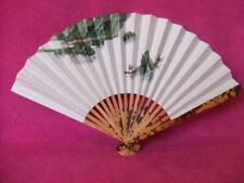 Éventails et ombrelles pour déguisement et costume d'époque