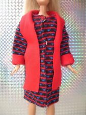 VINTAGE Sindy Barbie DOLL CLOTHES Red Blue & Nero Morbido Cappotto Giacca con sciarpa