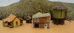 Lot of 4 HO built wood craftsman structures Very Nice Layout Ready