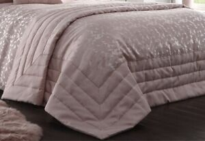 Jacquard Geometric Triangle Blush Pink Quilted Bed Throwover Bedspread Throw New