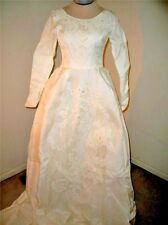 vintage Wedding dress 1940s? long train size small or extra small beads beading