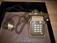 ANCIEN TELEPHONE S63  A TOUCHE DE 1983 MARRON . EN ETAT DE MARCHE