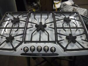 "THERMADOR MODEL SGSX365 36"" natural GAS cooktop"