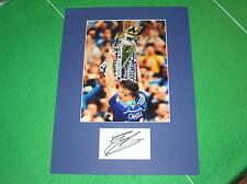 Gary Cahill firmato Chelsea FC 2014/15 PREMIER LEAGUE CHAMPIONS TROPHY MOUNT